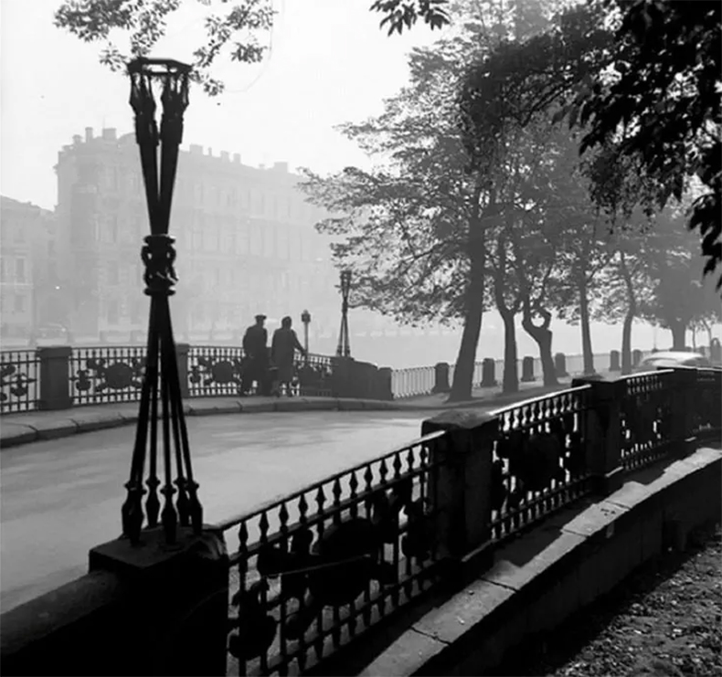 2-й Инженерный мост в конце 1950-х годов, еще без фонарей
