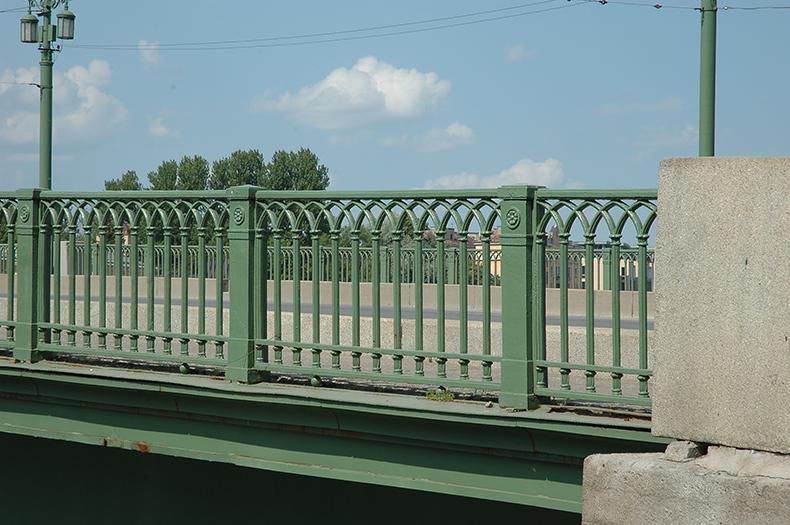 Перила Большого Крестовского моста