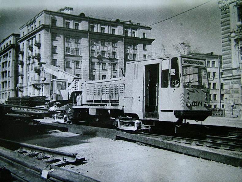 Ремонт трамвайных путей на мосту Декабристов, 1990 год