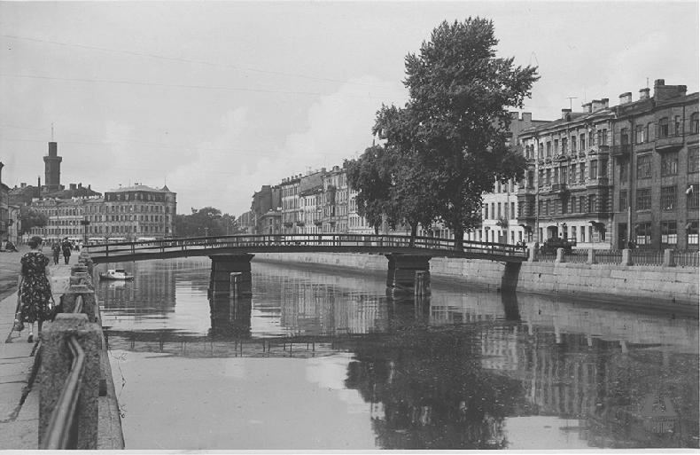 Старый коломенский мост в 1950–1960-х годах, опоры обшиты досками, заменено перильное ограждение