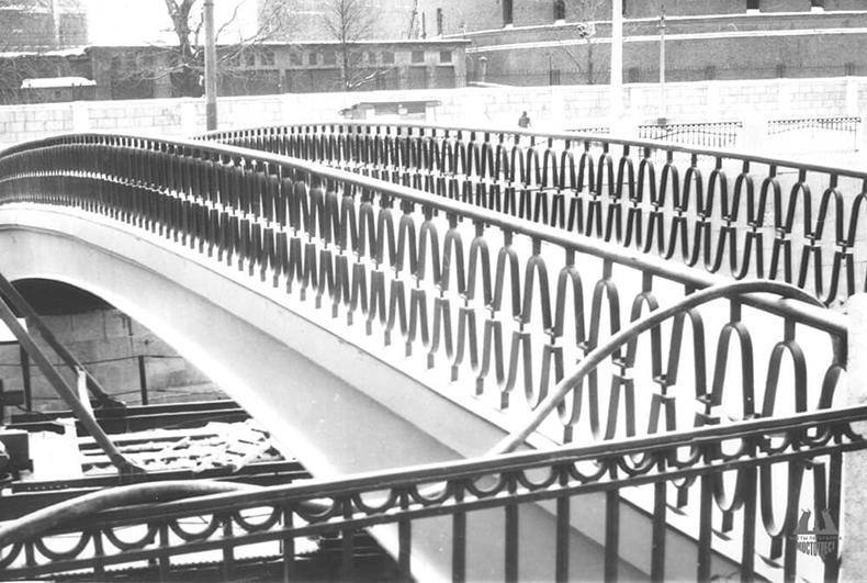 Можайский мост вскоре после открытия в 1984 году
