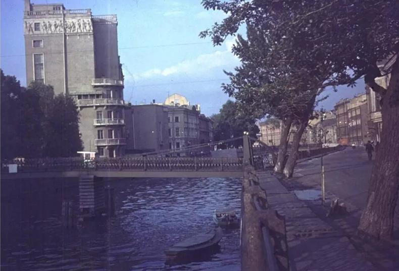 Почтамтский мост в 1970-х годах