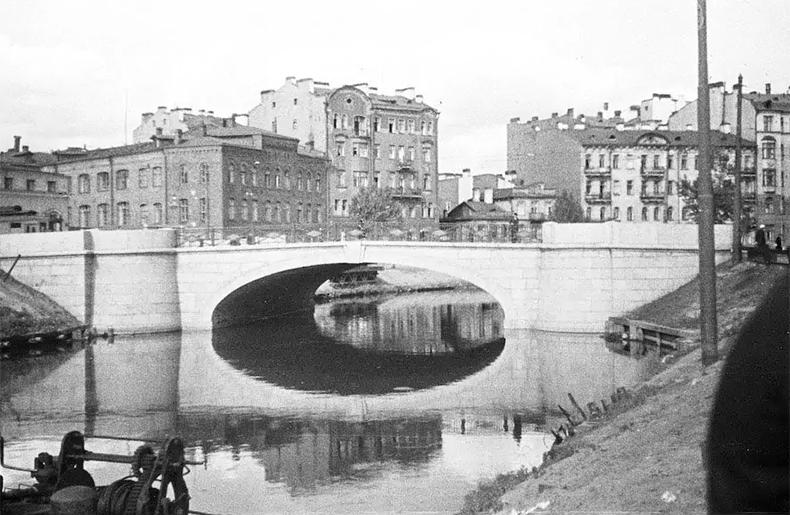 Пионерский мост вскоре после открытия