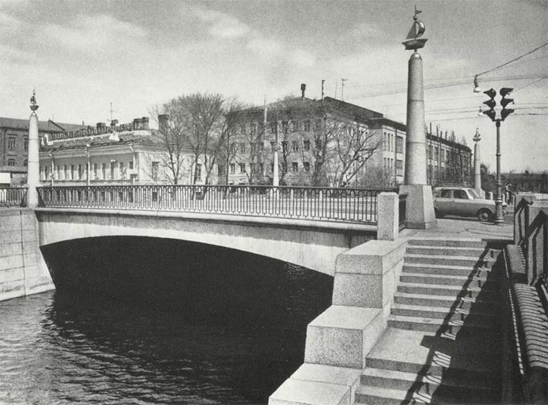 Уральский мост в конце 1970-х годов