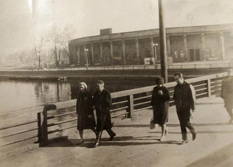 Ждановский мост в 1960-х годах