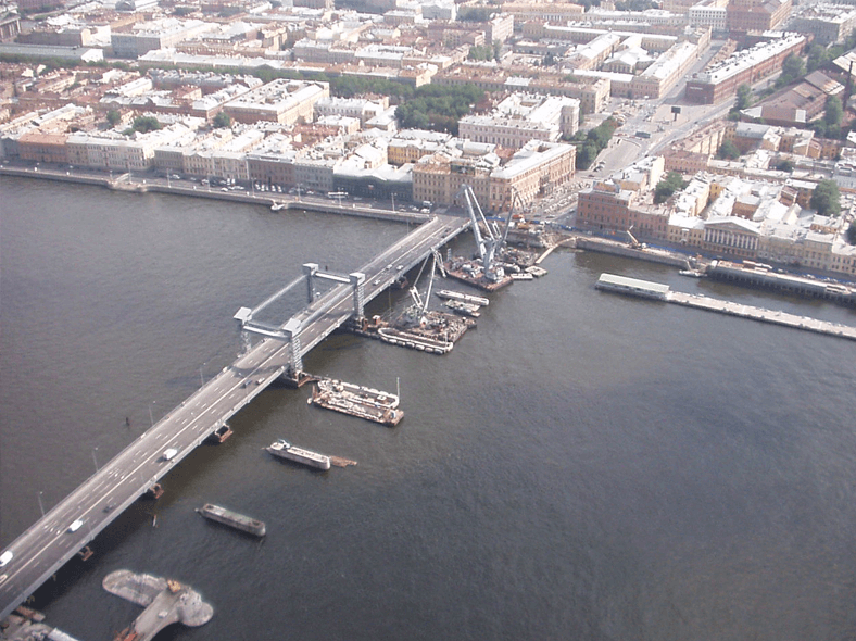 Ход реконструкции: https://commons.wikimedia.org/wiki/File:Lieutenant_Schmidt_Bridge_temp_substitute.JPG?uselang=ru
