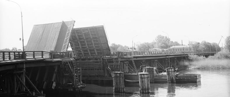 Разводка Большого Петровского моста, конец 1970-х годов