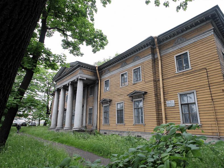 http://kanoner.com/pics/2016/06/dacha-holovyna-na-vyborhskoj-naberezhnoj.jpg