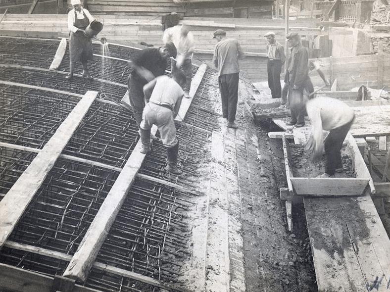 1931–1932 годы, реконструкция: https://pastvu.com/p/126022