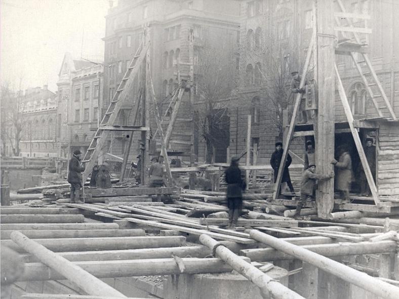 1931–1932 годы, реконструкция: https://pastvu.com/p/123281