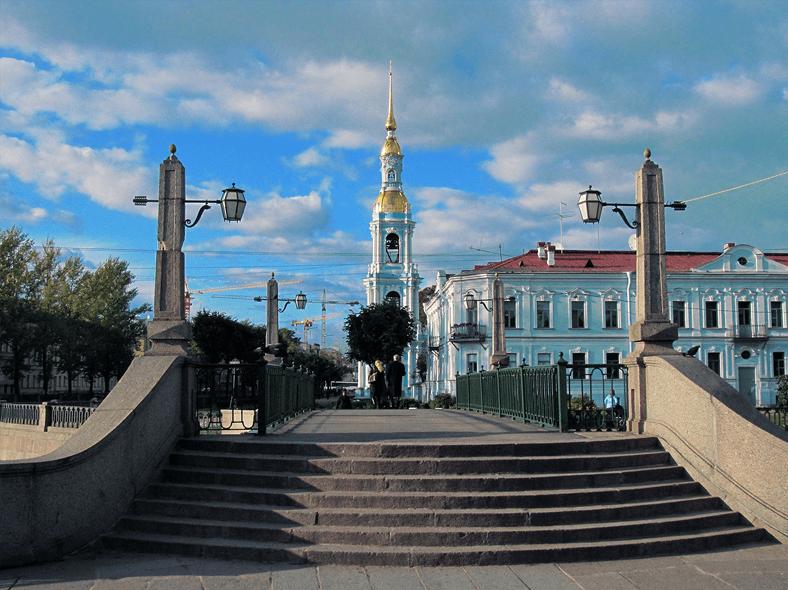Красногвардейский мост и колокольня Никольского морского собора https://wikimedia.org/