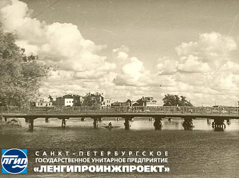 Мало-Крестовский мост до реконструкции 1940 года: http://spb-projects.ru/