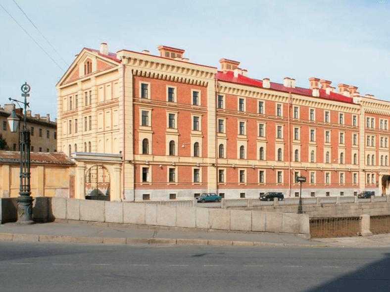 Казармы Гвардейского морского экипажа. Источник: http://www.citywalls.ru/