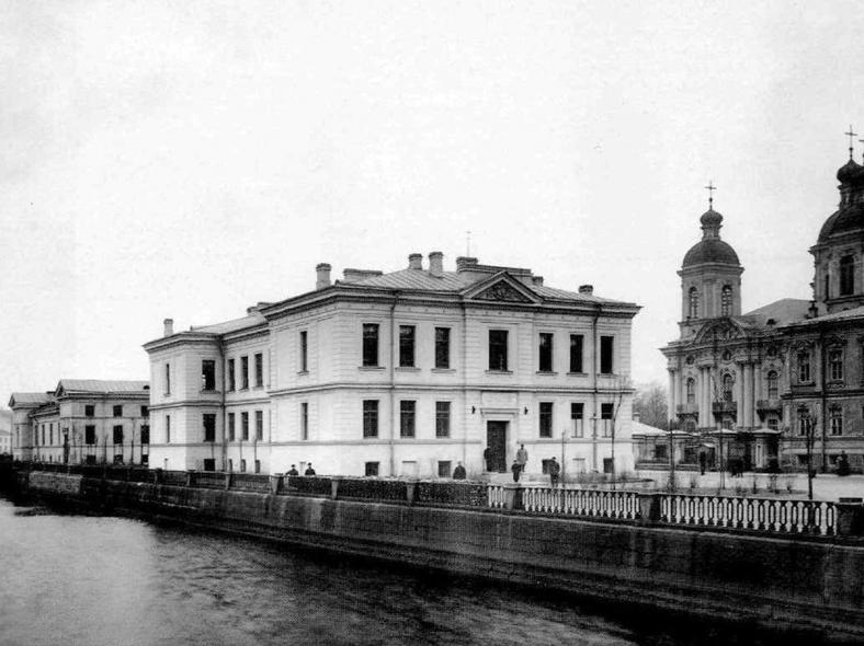 Городской дом трудолюбия, фото К. Буллы, начало XX века: https://pastvu.com/p/135097