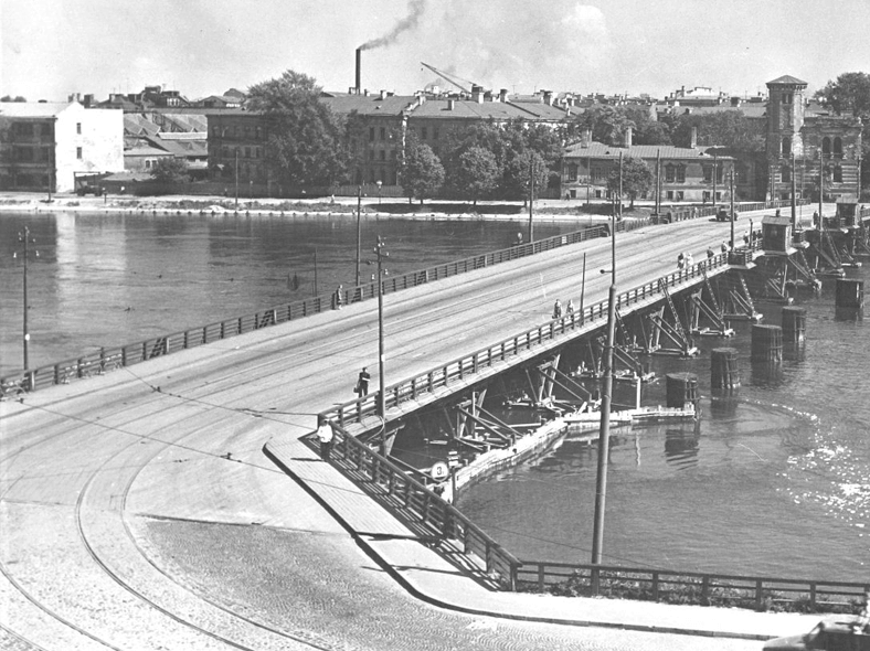 Мост Свободы до 1955 года: http://spb-projects.ru/