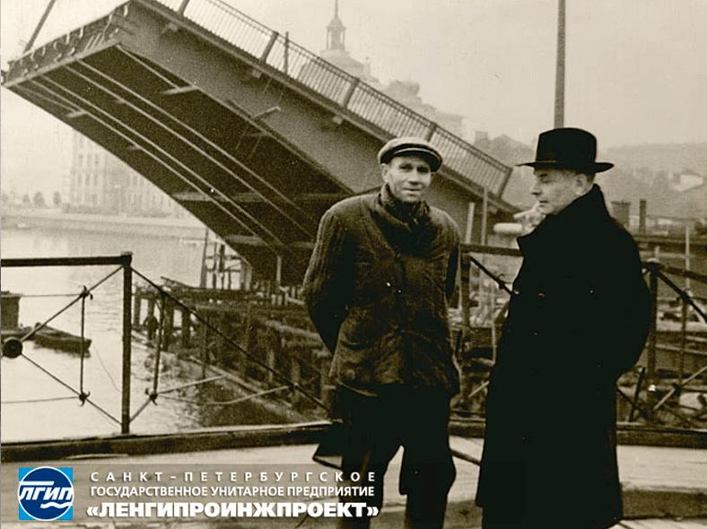 Инженер Борис Бенционович Левин и монтажник Юрий Иванович Сергеев, 1957 год http://spb-projects.ru/