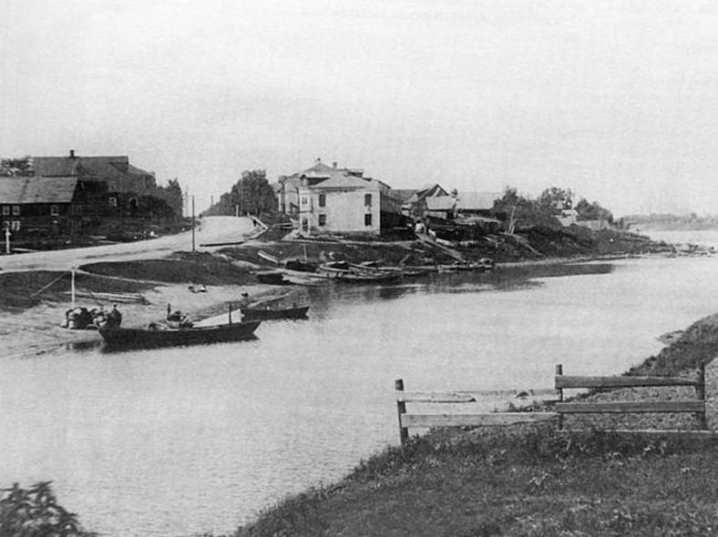 Вид на Рыбацкое от устья реки Славянки, начало XX века: http://oldsp.ru/