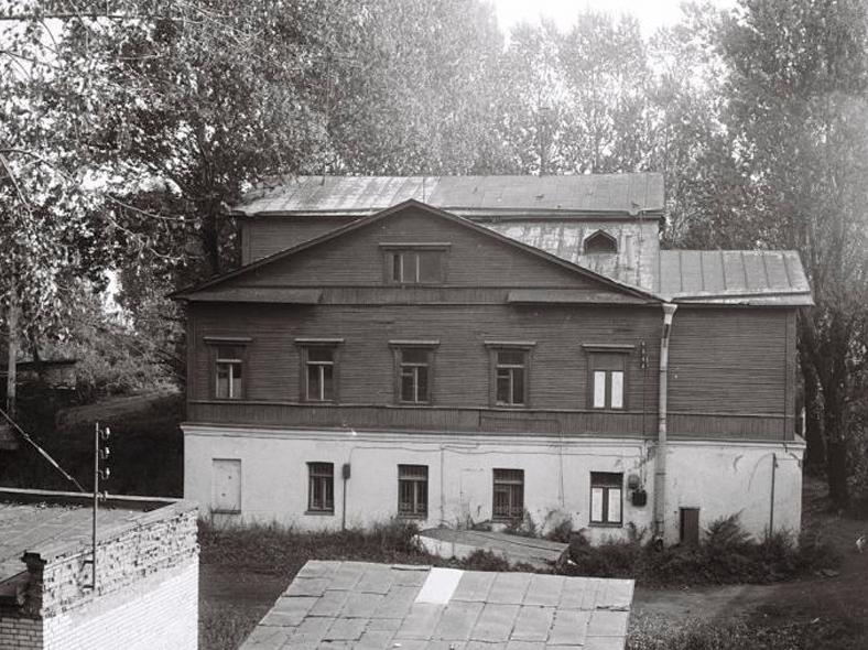 Дом Слепушкина: http://oldsp.ru/