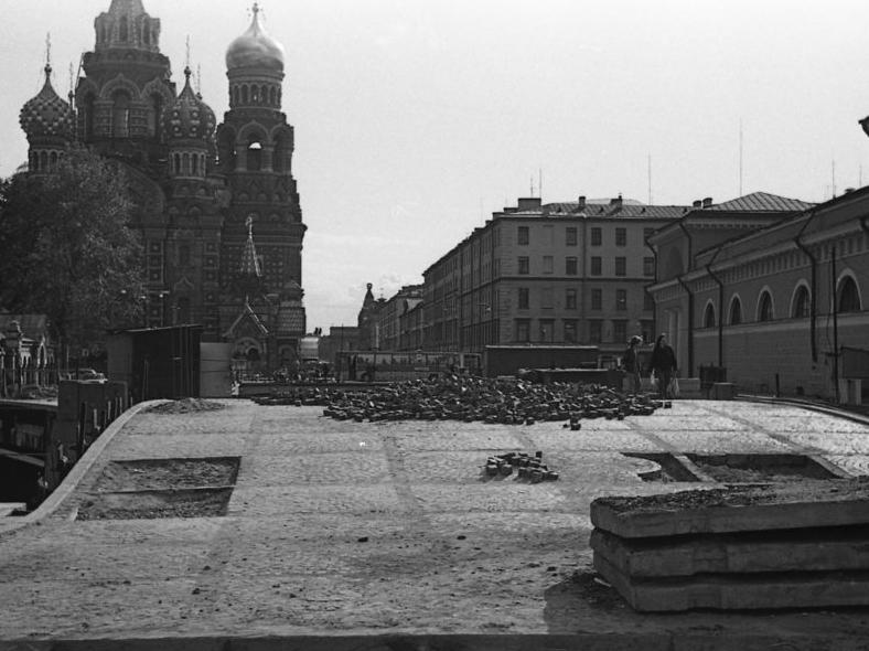 Ремонт, фото из личного архива, автор Anspok Evgeny: https://pastvu.com/p/121423