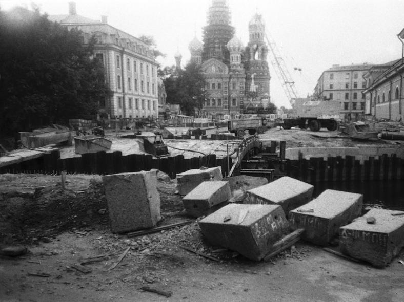Ремонт, фото из личного архива, автор Anspok Evgeny: https://pastvu.com/p/122706