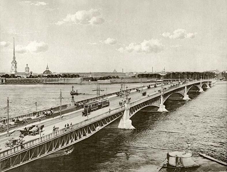 Фото К. Буллы до 1918 года, на фото видны ось и дополнительная опора поворотной системы