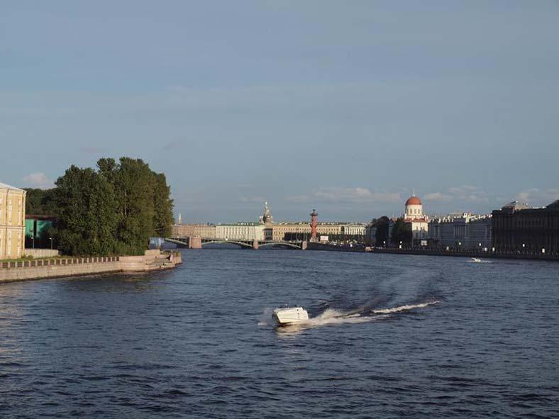 Вид с Тучкова моста