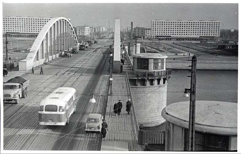 Володарский мост в 1960-х годах